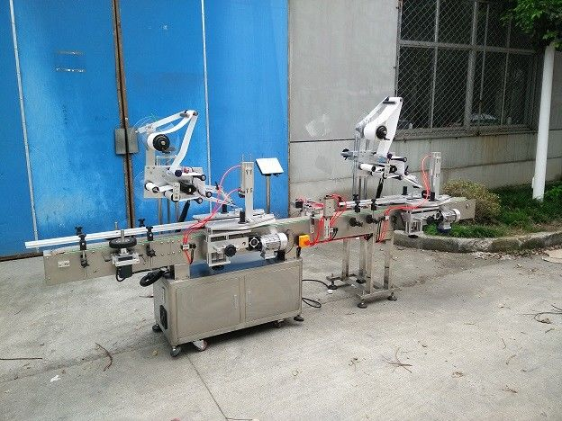 Aplicador de etiqueta de superfície plana de largura de 20-200 mm com etiquetadora superior e traseira