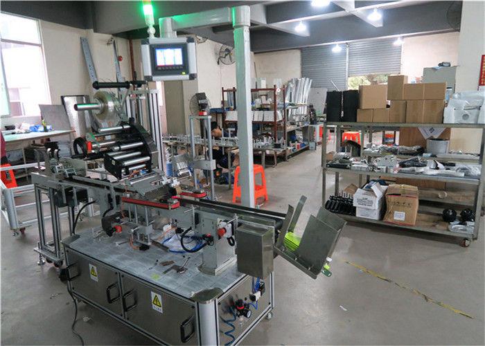 Aplicador de etiqueta de superfície plana para máquina de etiquetagem automática